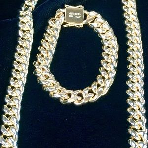 CUBAN LINK 18K GOLD CHAIN MADE IN ITALY